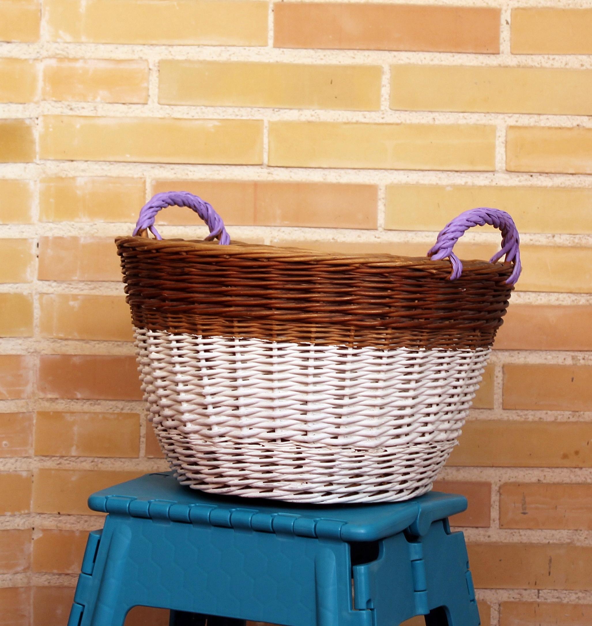 Mis soluciones pangala pintar una cesta de mimbre y un - Como adornar una cesta de mimbre ...