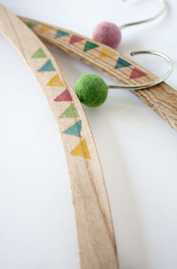 http://mechantdesign.blogspot.fr/2012/11/crazy-hanger-collection.html