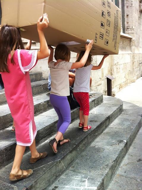 caja carton ninos kids box cardboard karton kiste kinder