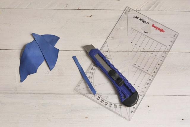 corta tira de piel para colgante de madera missoluciones-pángala