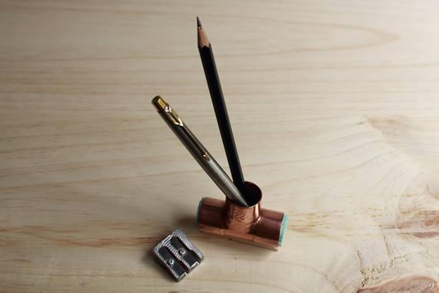 bote de lápices en cobre minimalista missoluciones-pangalamissoluciones-pangala